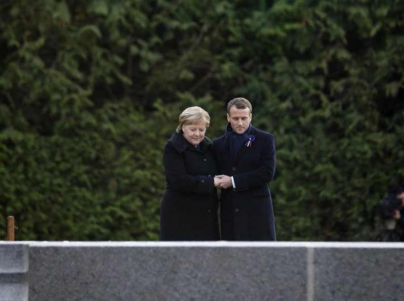 Alexis Tsipras in Paris for the centenary of the WW1 truce