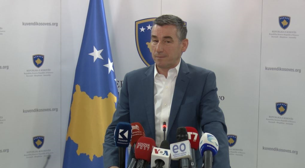 Kosovo's parliamentary speaker Veseli warns the fall of the current government