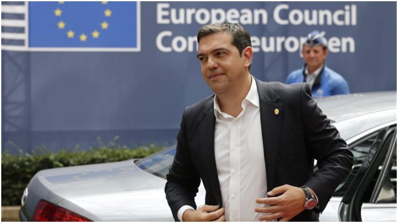 Tsipras to bring Mitsotakis' accusations on the Prespes Agreement to European leaders