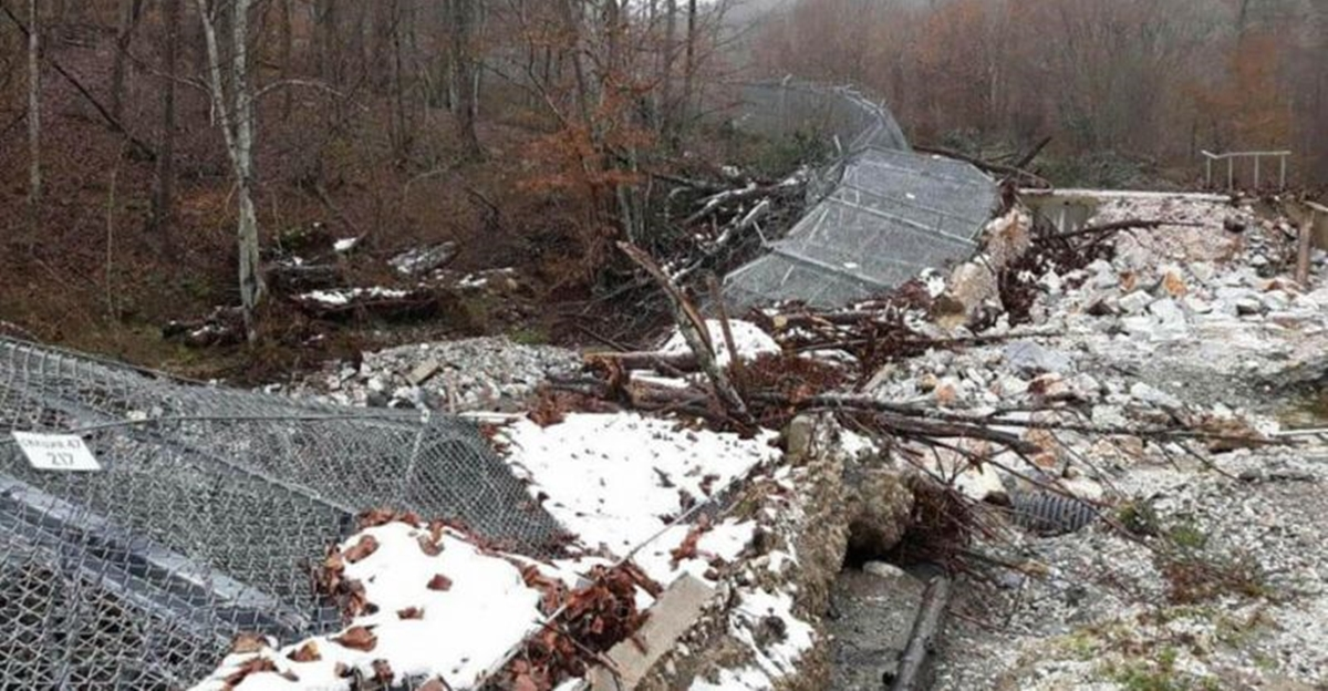For the second time, heavy rain brings down fence at Bulgarian – Turkish border