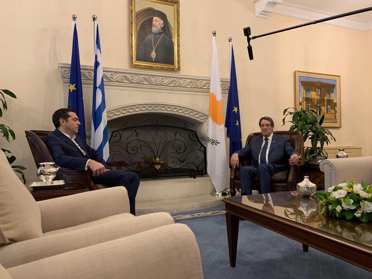 Anastasiades met Tsipras in Nicosia