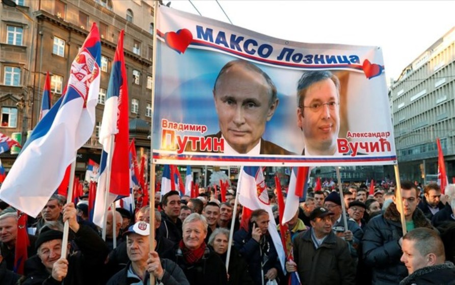 """Putin's visit to Serbia: The Czar, The """"Pasha"""" and… space!"""
