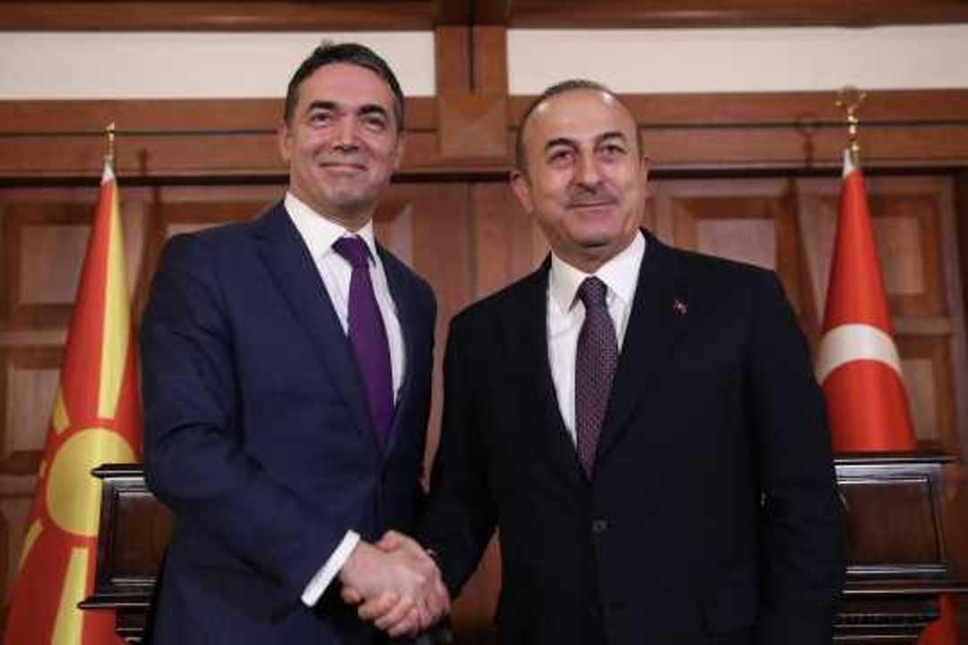 Cavusoglu: «Θα αναγνωρίσουμε τη Μακεδονία με τη συνταγματική της ονομασία»