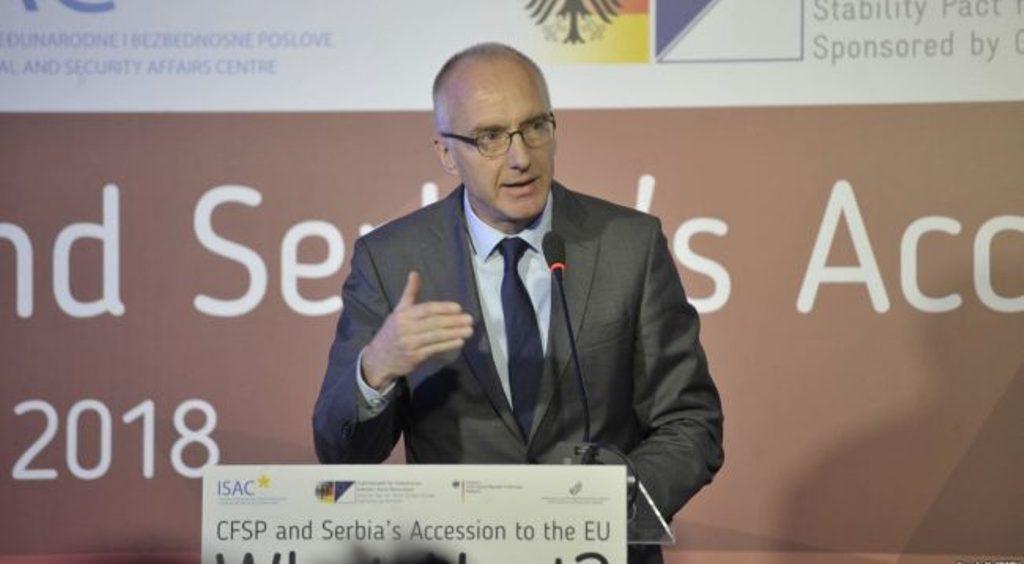 Ο Γερμανός πρέσβης στο Βελιγράδι σχολιάσε τη διαδικασία διαλόγου μεταξύ Κοσσυφοπεδίου και Σερβίας