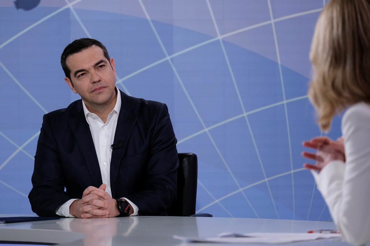Tsipras to ask for vote of confidence if coalition splits over Prespes deal