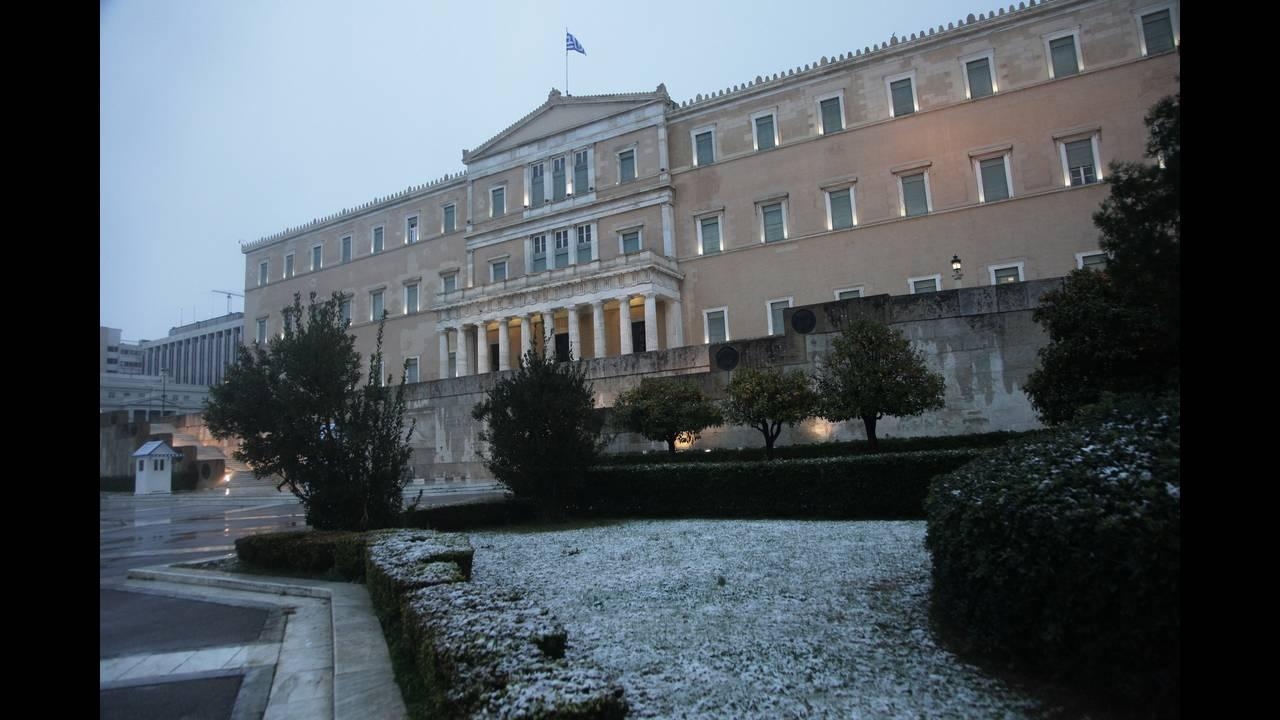 Political thermometer is high in a snowy Athens
