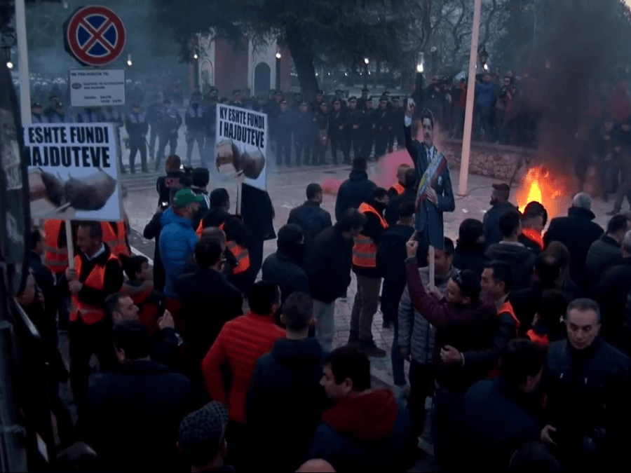 Opposition in Albania holds another protest, chaos and teargas in front of parliament