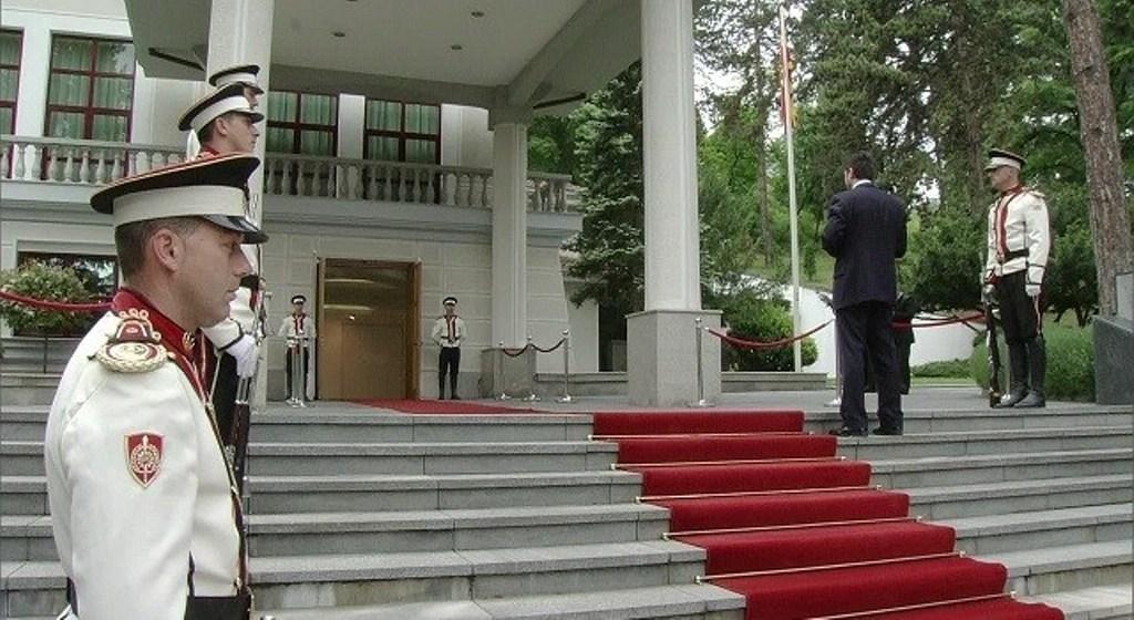 Opozita po bëhet gati për presidencialet, maxhoranca në kërkim të një kandidati