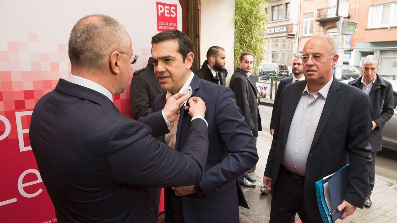 The battle for the center-left in Greece