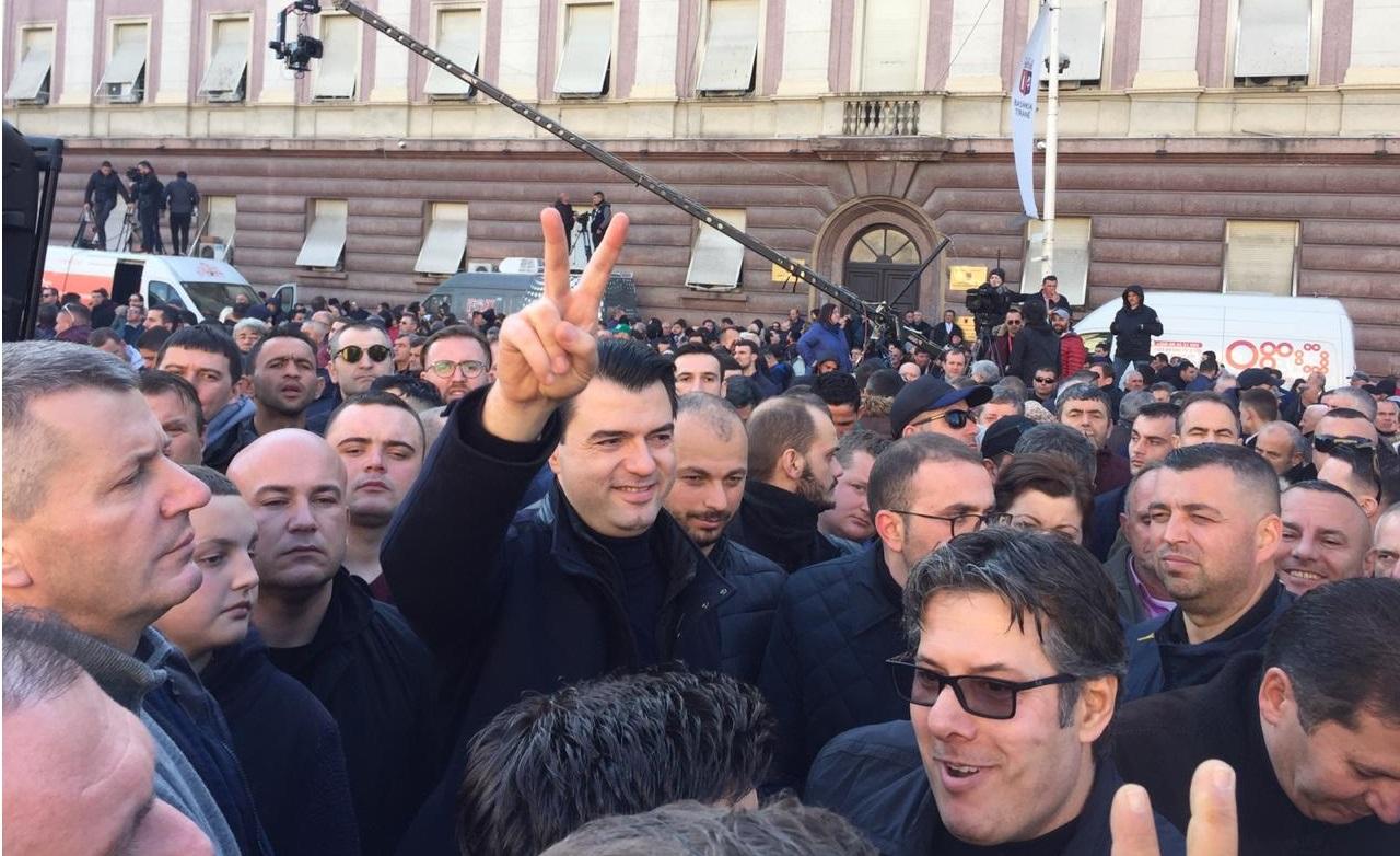 Opozicioni lider u Albaniji kaže da planira zbaciti vladu do proljeća