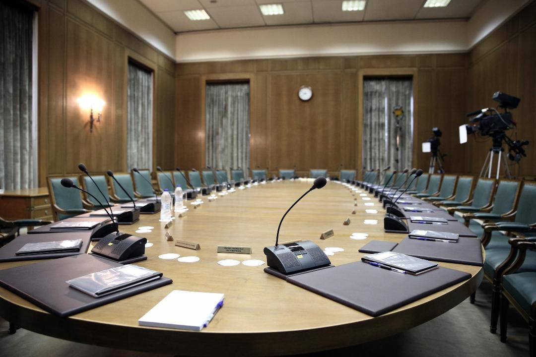 Reorganizacija kabineta i Tsiprasove inicijative za progresivni savez