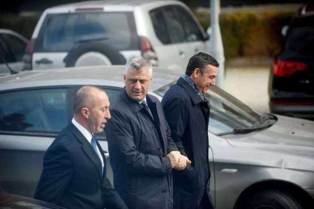 State leaders in Kosovo hold an urgent meeting about the dialogue with Serbia