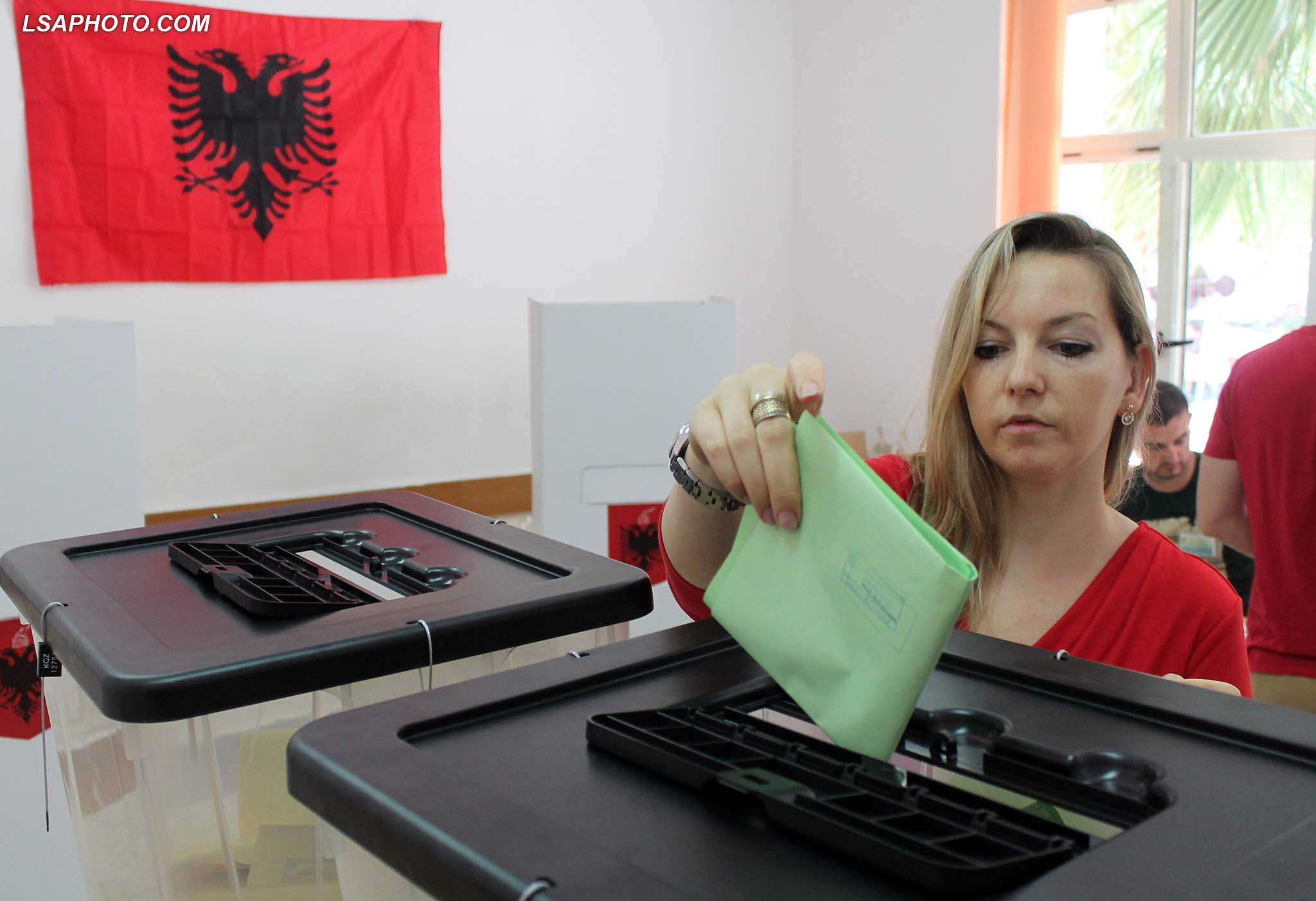 Polling stations open in Albania amidst tension and unrest