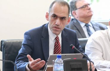 The Cypriot Finance Minister insists on his positions on Co-op