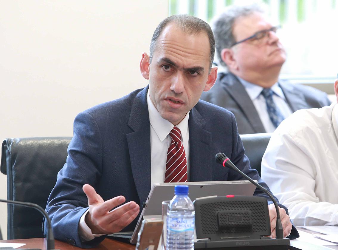 Εμμένει στις θέσεις του ο Κύπριος ΥΠΟΙΚ για Συνεργατισμό