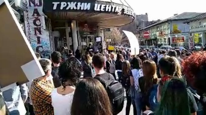 Serbia: Teachers and pupils demand the release of the boy from prison