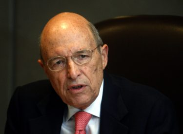 Former PM Costas Simitis attacks economic record of Tsipras government