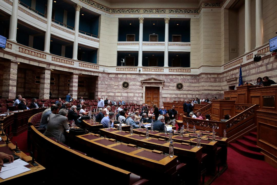 The abolition of the MP-candidate MEP incompatible opens a new round of political dispute in Athens