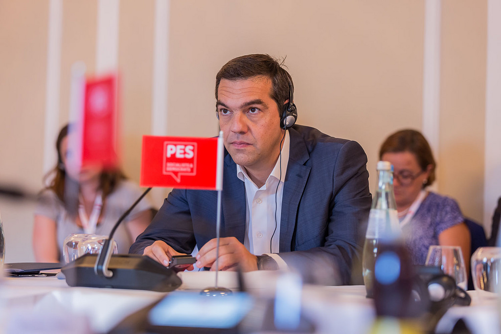 Tsipras urges progressives to unite against far-right at PES meeting