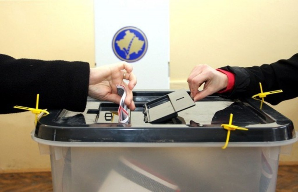 Polling stations in north of Kosovo close