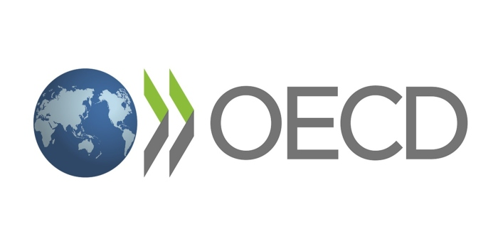 OECD urges Greek government to safeguard fiscal credibility