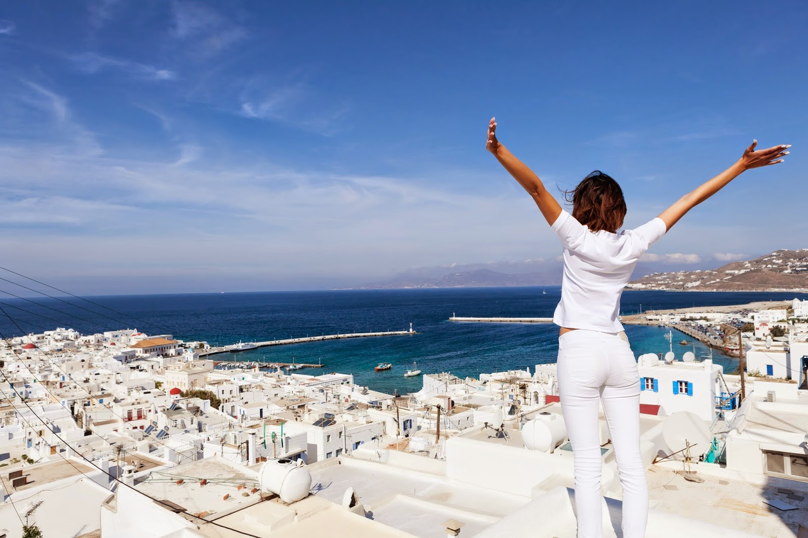 At 21.6 billion euros the contribution of tourism to Greece in 2018