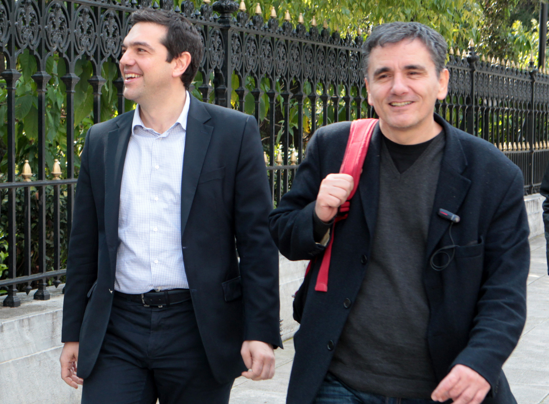 Euclid Tsakalotos: ENFIA reduction by 30% and reduction of tax advance by 50%