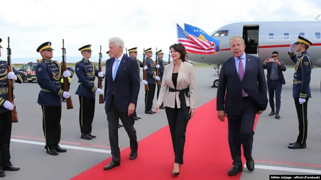 Former US president Clinton visits Kosovo