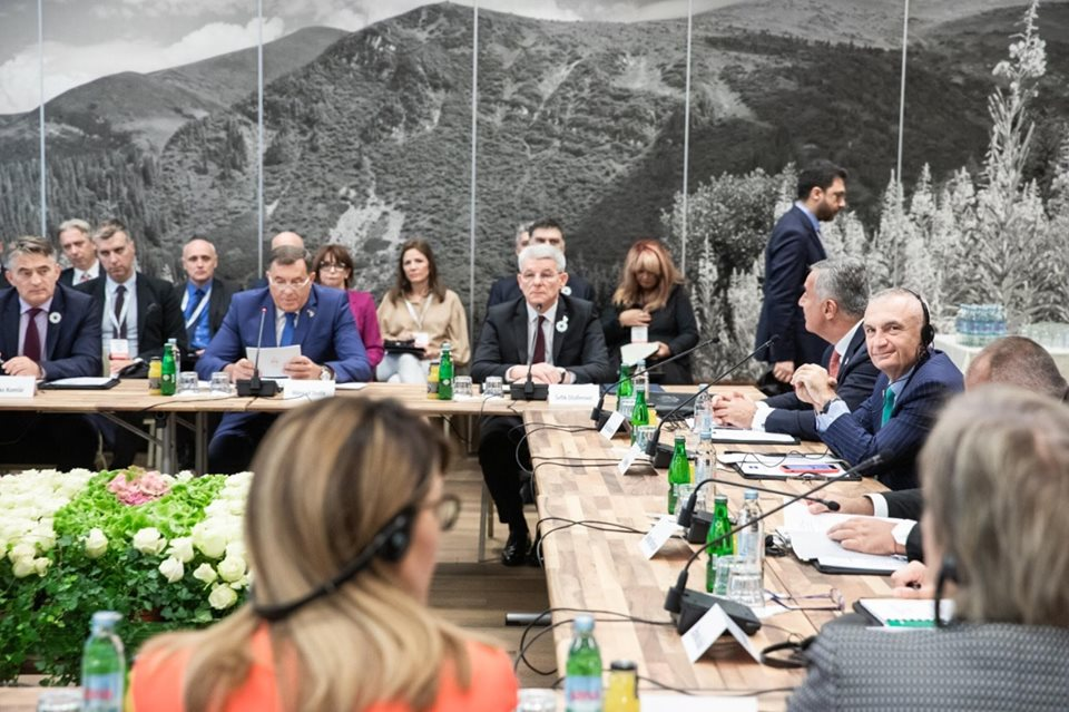 Hopeful for the opening of accession negotiations in October , says Albania's Meta