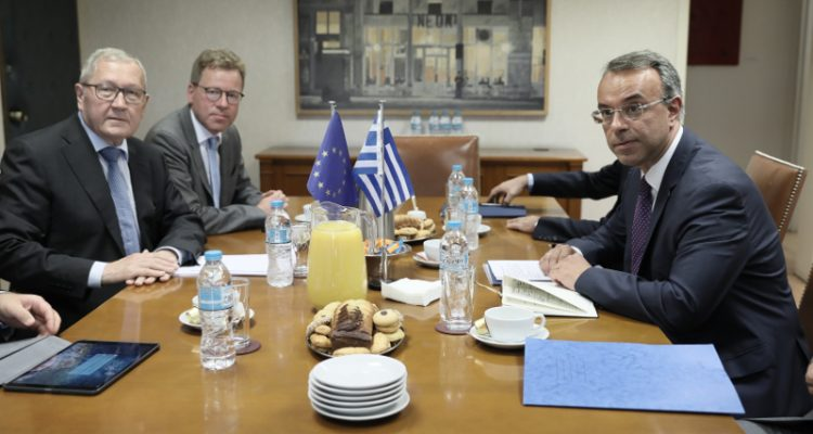 Finance Minister discusses, tax cuts and reforms with ESM chief