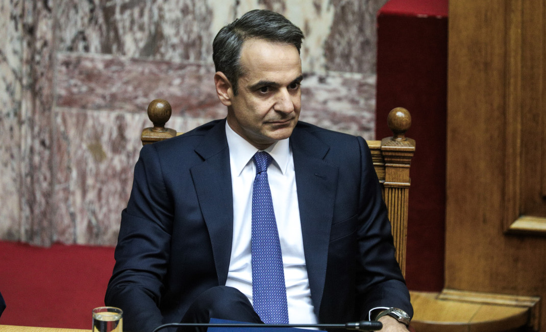 Mitsotakis tries to get through to the public in his programmatic statements