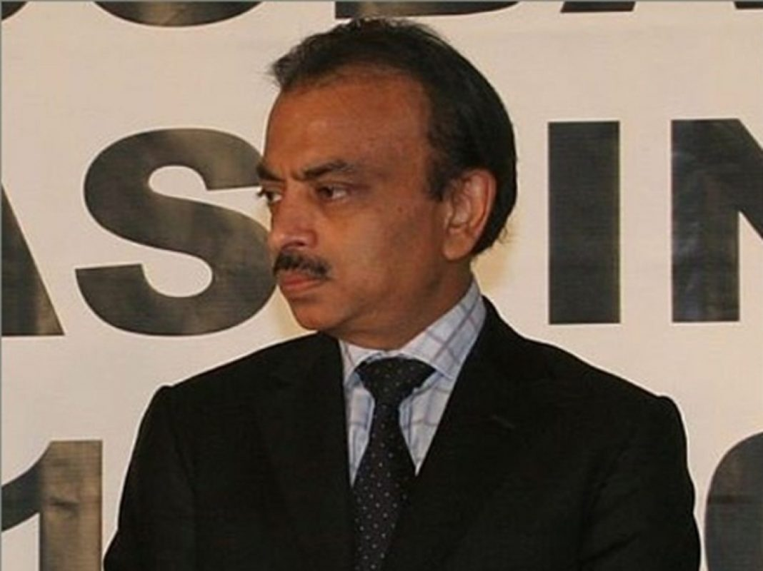 Indian magnate arrested, employees demand the continuation of production