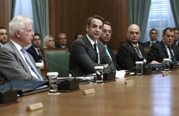 Mitsotakis gives directives to his ministers for the rapid implementation of the reforms