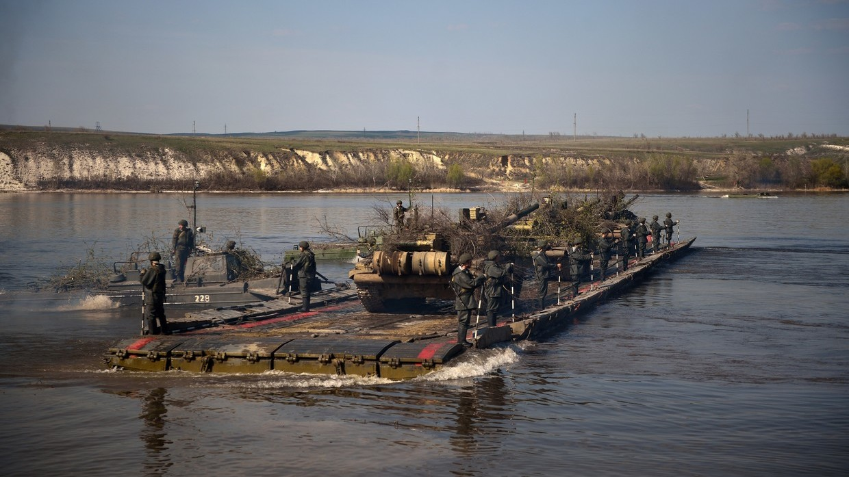 Serbia accuses Romania of blocking its military equipment on the Danube
