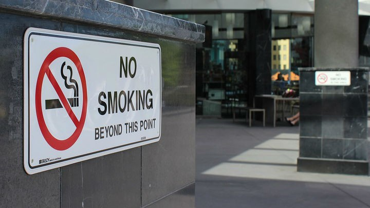 Guests in restaurants surprised as ban on smoking enters into force
