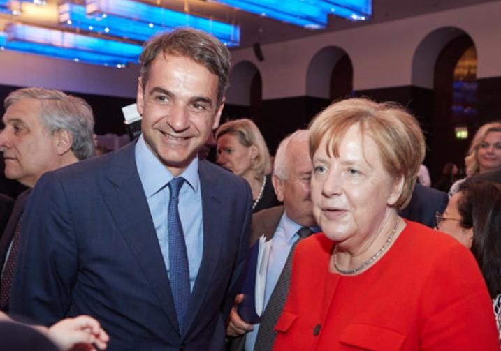 Investment and Migration on the agenda of the Mitsotakis – Merkel meeting