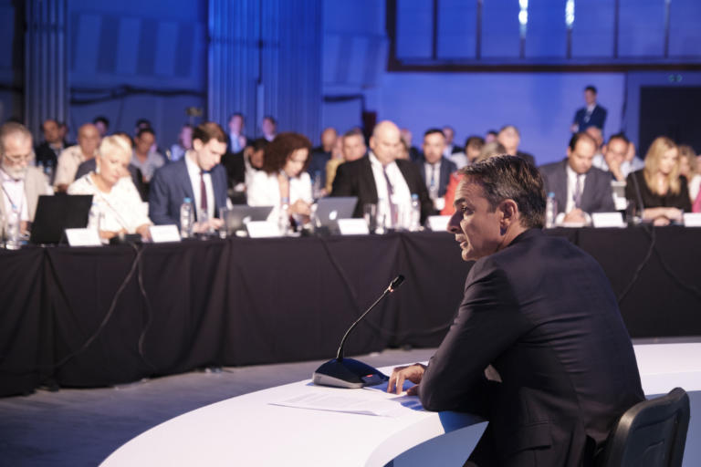 Main opposition party critisizes Mitsotakis' announcements at TIF: Development without rules for the few and the powerful