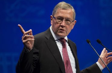 Regling: Surplus reductions not before 2021 and under specific conditions