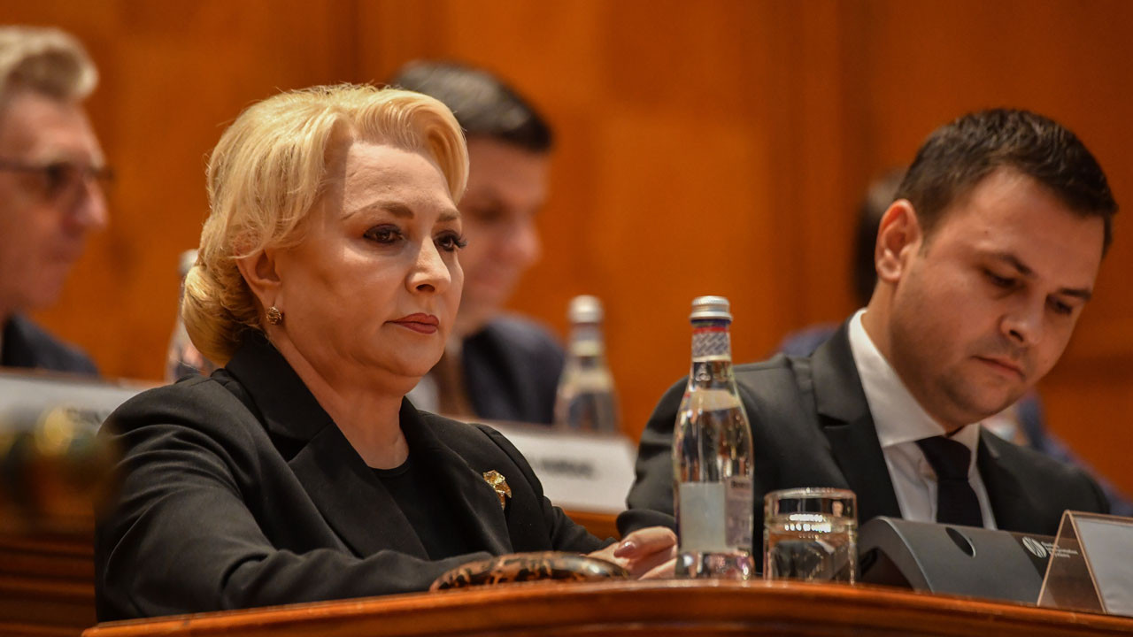 Motion of censure was voted in favor, the Dancila government falls