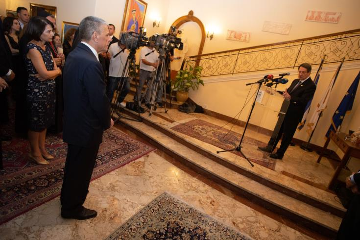 We continue to insist on the dialogue, President Anastasiades says