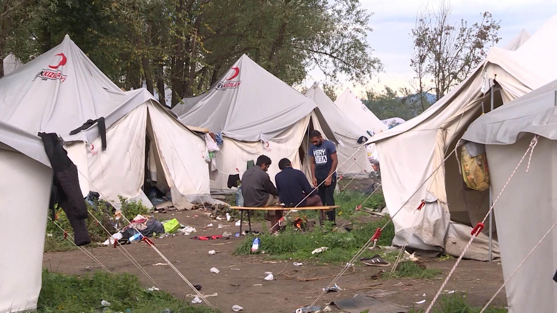 Migrants in BiH await the winter under harsh conditions