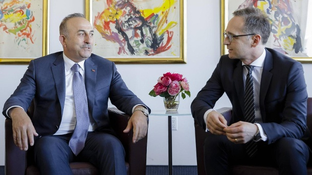 Cavusoglu to Maas: You are welcome but not with a raised finger