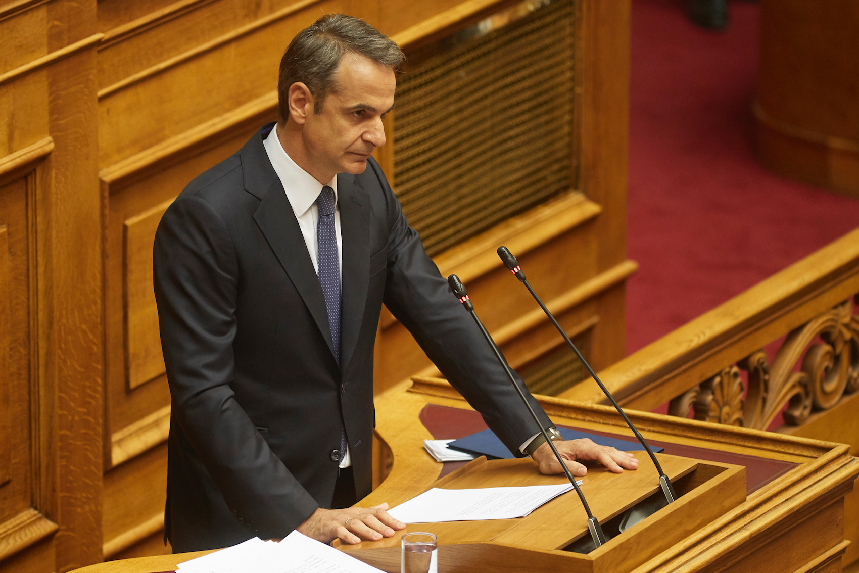 "Mitsotakis: The asylum bill says ""enough is enough"" to those who try to enter the country"