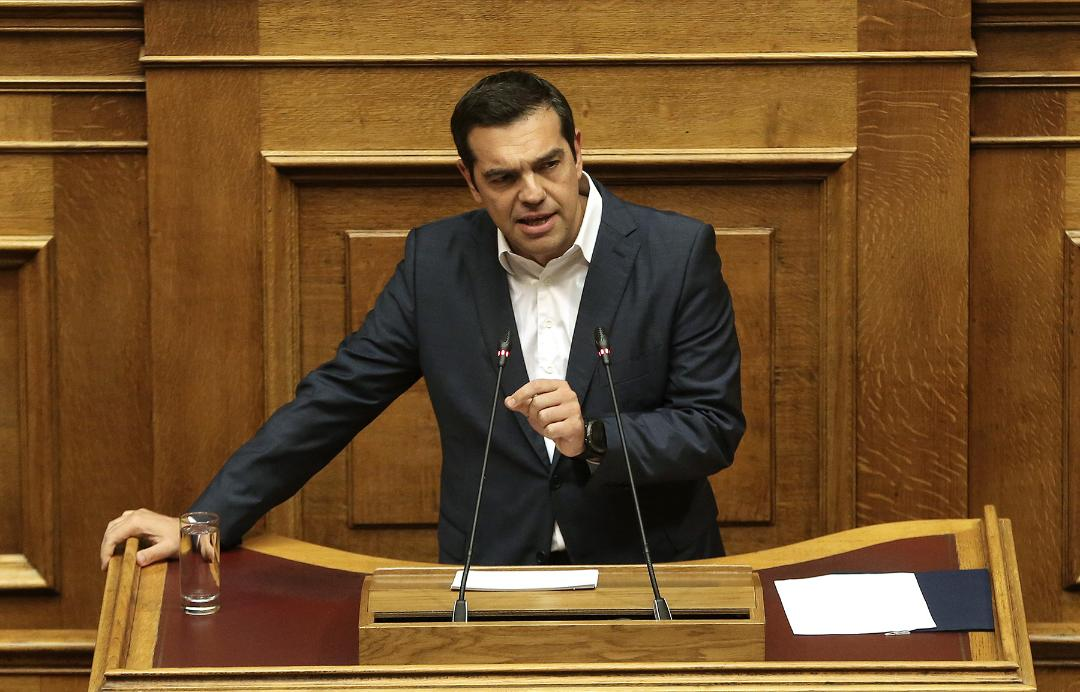 """Tsipras to Mitsotakis: You are breaking the law for the benefit of """"white collars"""""""