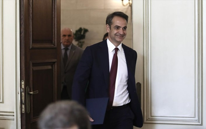 Mitsotakis heads to Rome to talk about the refugee-migration issue