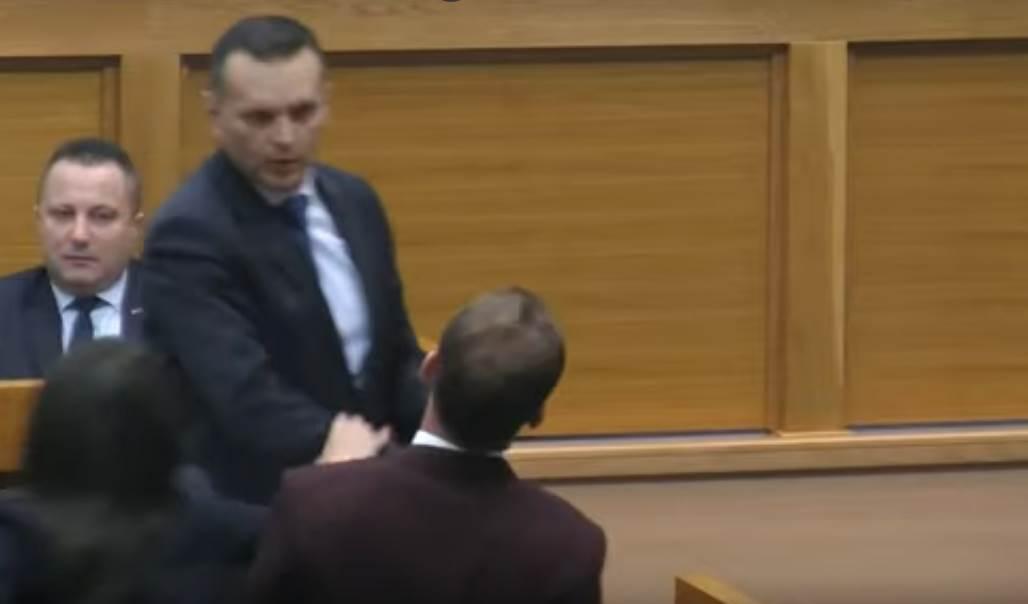 """Historic slap"" in Republika Srpska National Assembly"