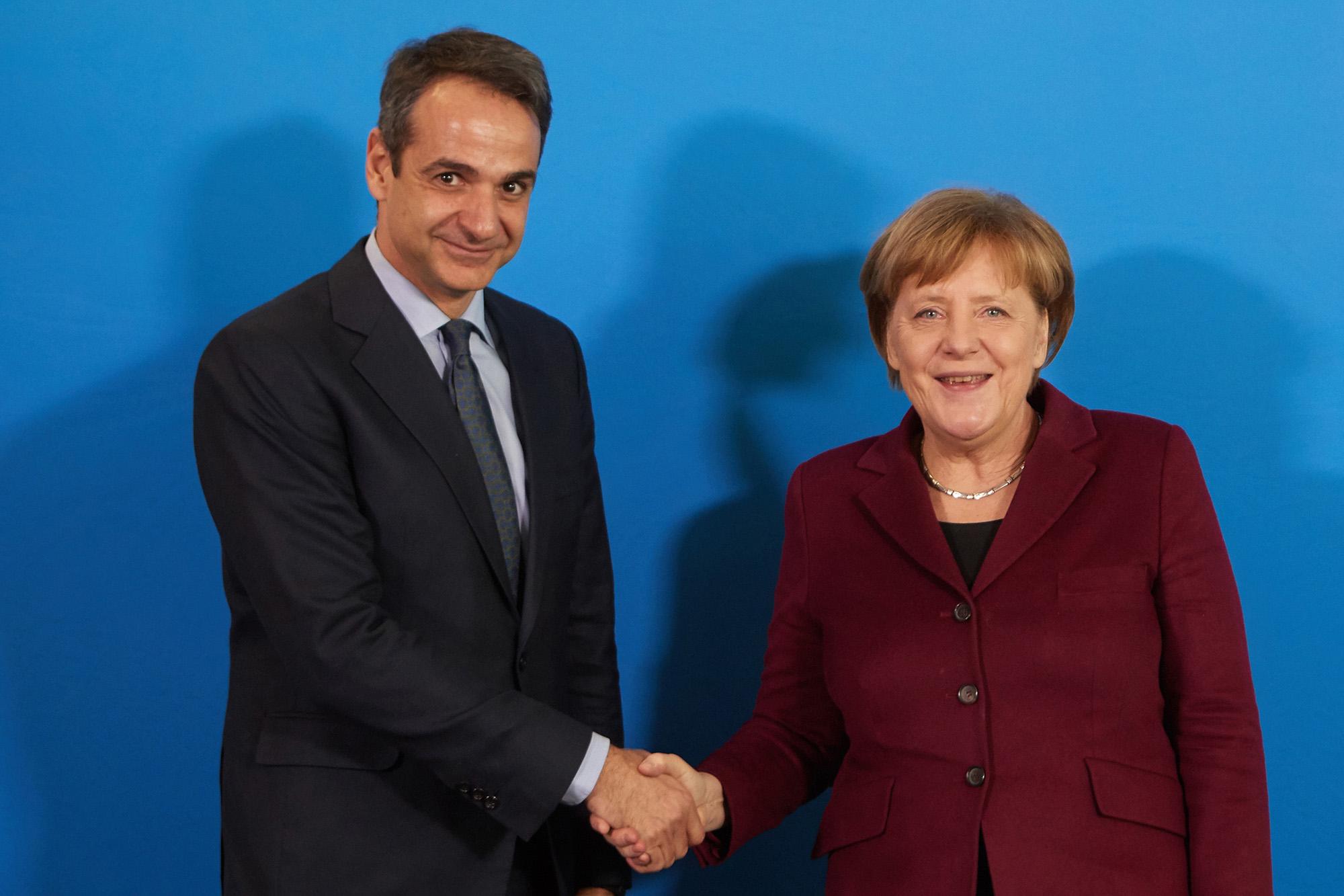 Phone conversation between Mitsotakis and Merkel