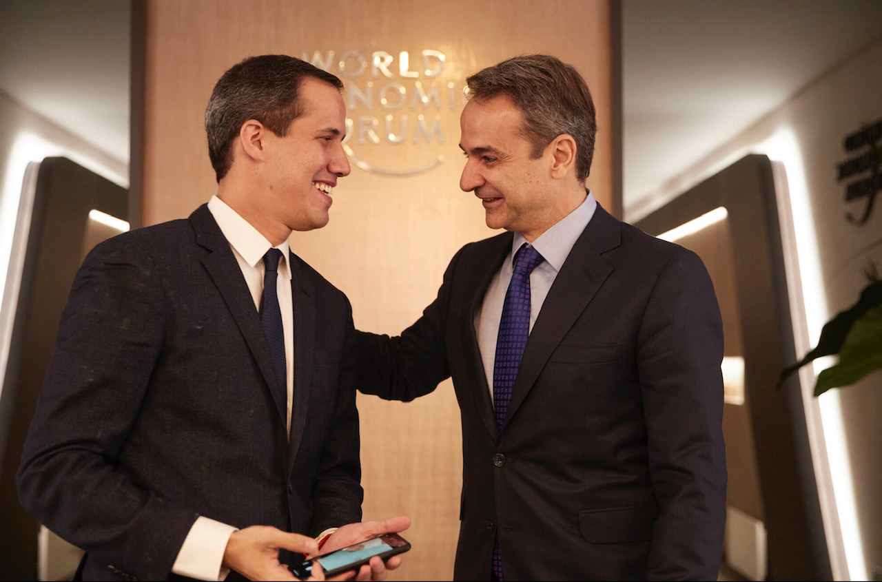 Mitsotakis meets with Guaidó and Barzani while in Davos