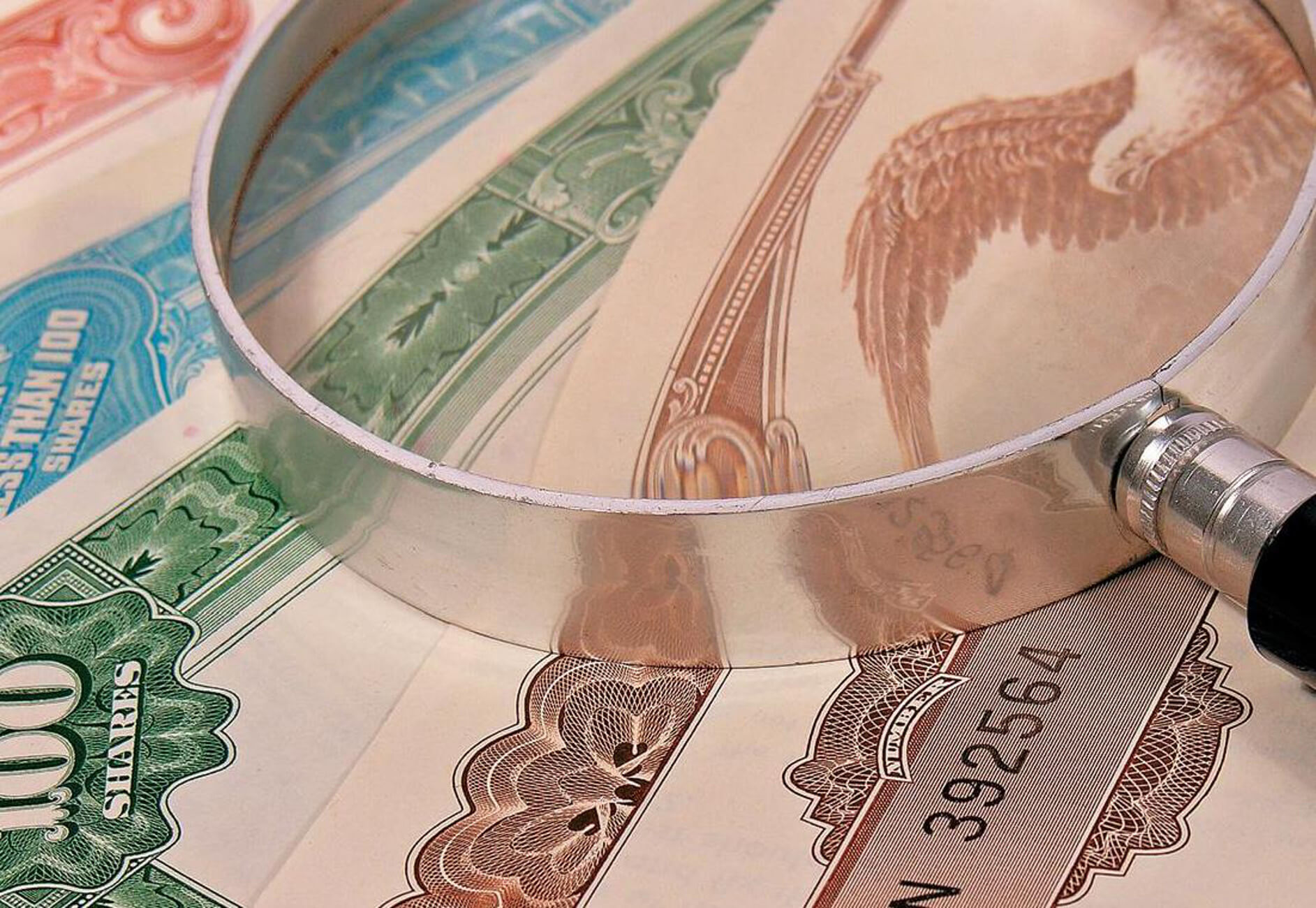 Greece seeks to build positive economic momentum