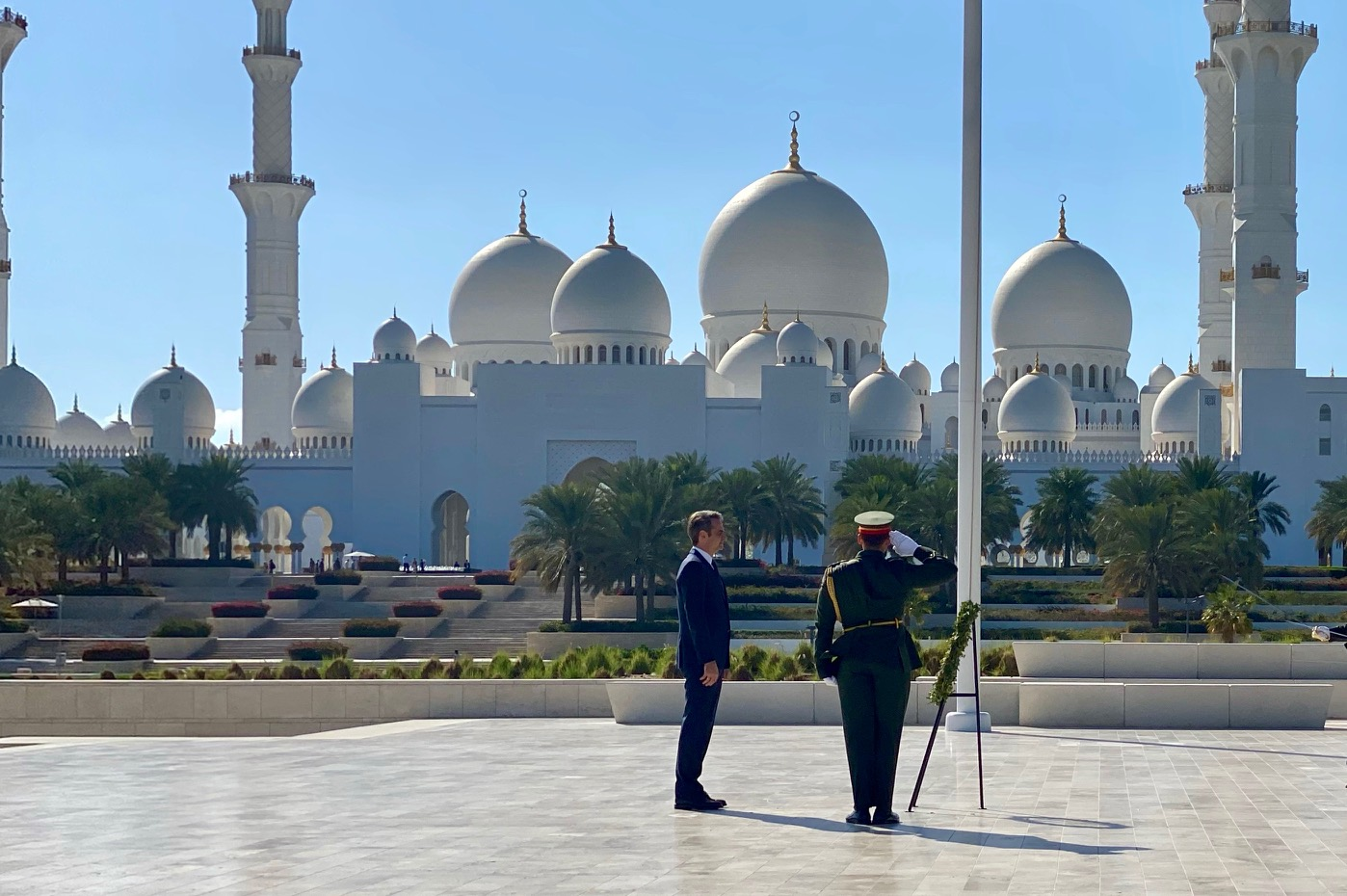 Mitsotakis wraps up his working visit to the Arabian Peninsula with a series of contacts in Abu Dhabi